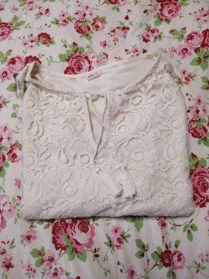 weiße Bluse (mit Spitze)