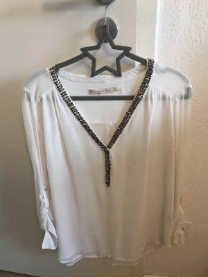 Weiße Bluse mit Steinchen