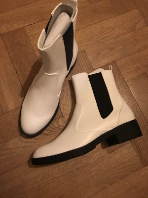 JustFab Chelsea Boots white-black