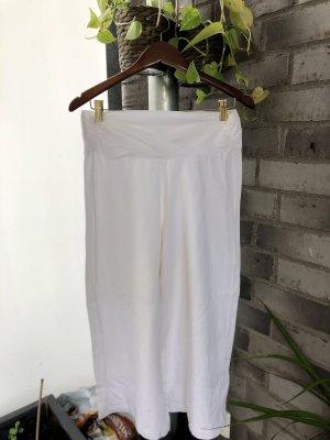Weiße breit geschnittene 3/4 Baumwolle Hose