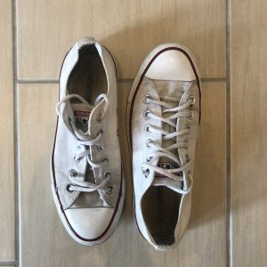 Converse Lace-Up Sneaker white