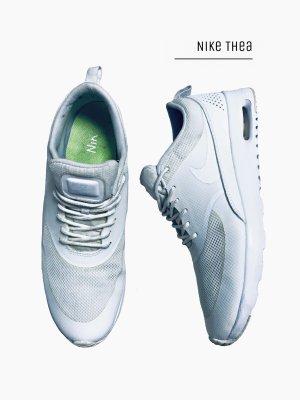 Weiße Creme Sportschuhe Laufschuhe Turnschuhe / Nike Thea Air Max / 41