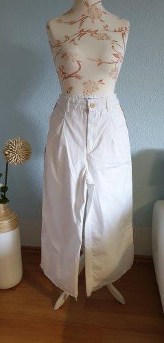 weiße Culottes mit Seitenstreifen, weite Hose von Zara