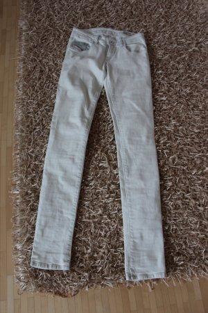 Weiße Diesel-Jeans in W25 L32