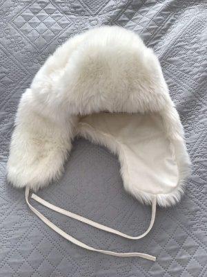 Weiße Fell-Imitat Mütze