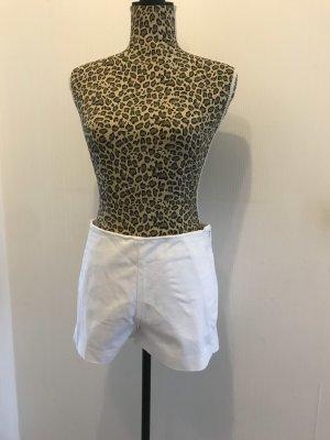 Mint Velvet Shorts blanco