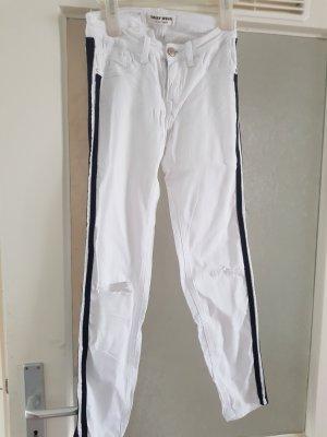 Weiße Hose mit schwarzen Streifen