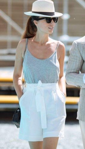 Weiße Hose mit Taschen von Massimo Dutti Gr. 34