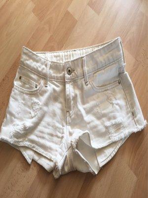 Weiße Hotpants von Mango