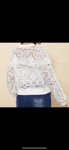 Weiße Jacke mit Spitze