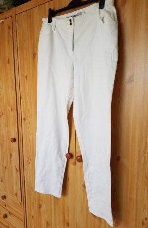weiße Jeans gerade geschnitten mit elastischem Bund von Outdoor John Baner. Keine Makel.
