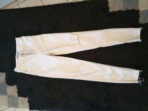 weiße Jeans mit cuts