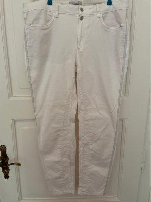 Weisse Jeans mit Silberstreifen
