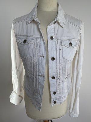 Weiße Jeansjacke mit Kontratsteppung