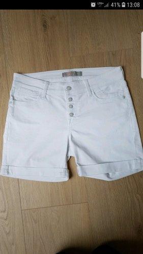 Weiße Jeansshort