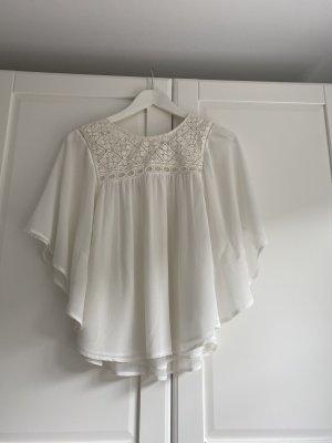 Weiße Kimonobluse mit Häckeleinsätzen