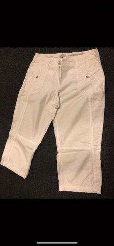 Weiße knielange Shorts