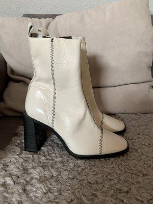 Weiße Lackleder Stiefeletten mit Ziernähten Topshop Größe 38