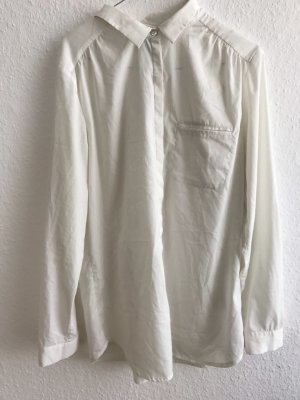 Weiße langärmelige Bluse
