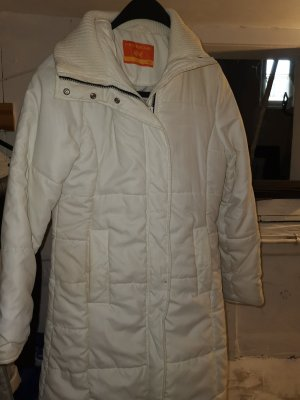 weiße lange Jacke