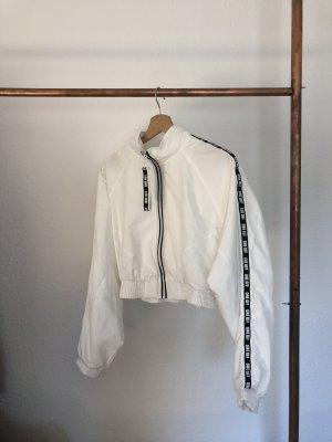 Weiße leichte Sportjacke von Bershka NEU
