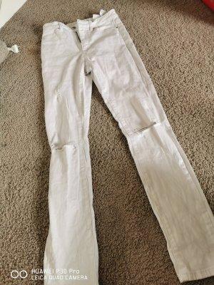 weiße Löcher Hose
