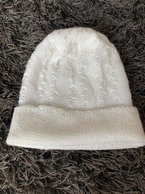 Bonnet en crochet blanc-blanc cassé