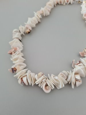 Vintage Shell Necklace multicolored