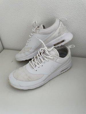 Weiße Nike Sneaker