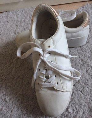 Weiße Plateau Sneaker