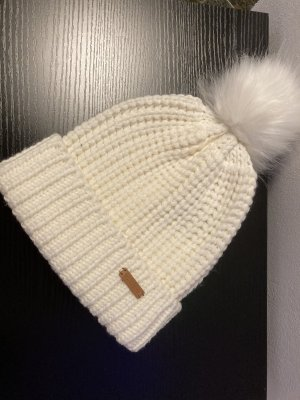 Weiße Pom Pom Mütze