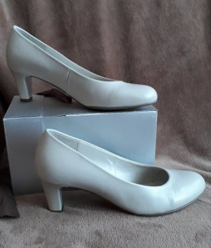 Gabor Pointed Toe Pumps white