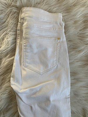 Weiße Röhren Jeans Mango