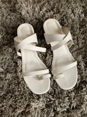 Urban Outfitters Toe-Post sandals white-black