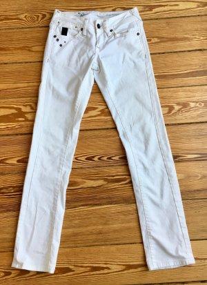Weisse schmal geschnittene Low Waist Jeans