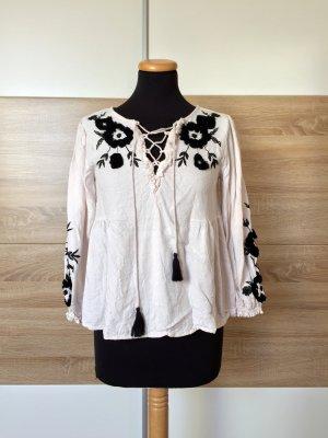 Weiße schwarz Blumen Stickerei Bluse von Zara, Gr. S