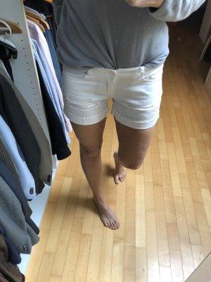 Weiße Short mit Pailletten aus Boutique in Florenz