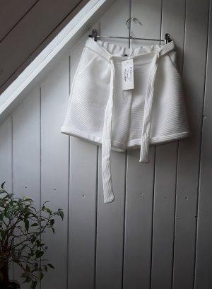 Weiße Shorts von Styleboom