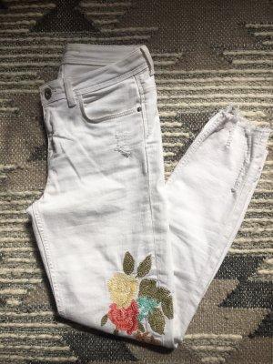 Weiße Skinny Jeans von ZARA mit Stickerei