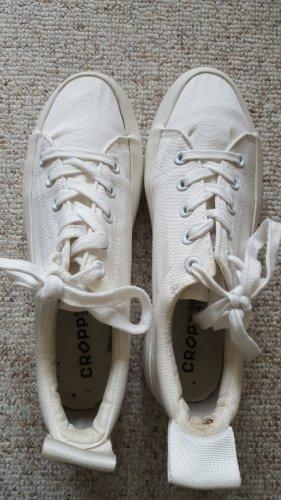 Sneakresy na obcasie biały