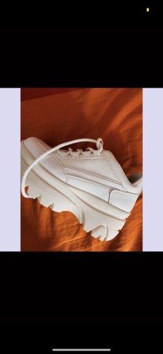 Weiße Sneakers neu