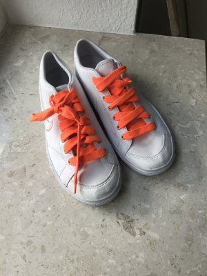 Weiße Sneakers von Nike