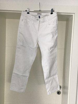 Weiße Sommerhose