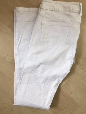 Weiße, sommerliche Jeans
