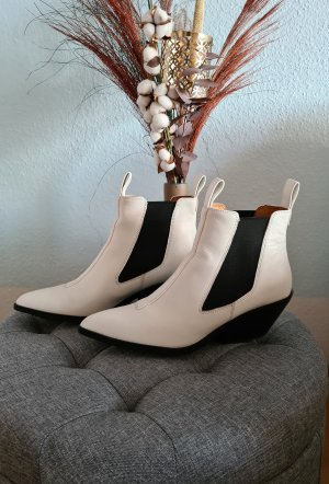 AndOtherStories Western Booties white-black leather