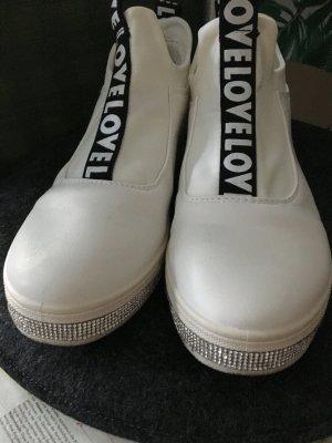 weiße Sportschuhe / Sneakers