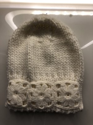 Knitted Hat natural white-cream
