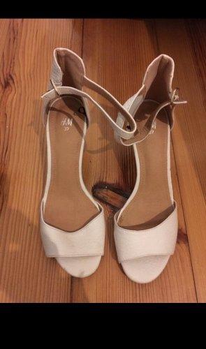 Weiße stilettos