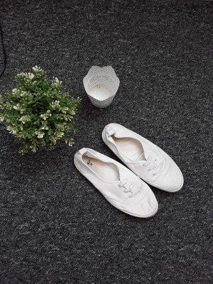 Weiße Stoffschuhe von H&M
