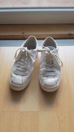 Weiße Superga Sneakers